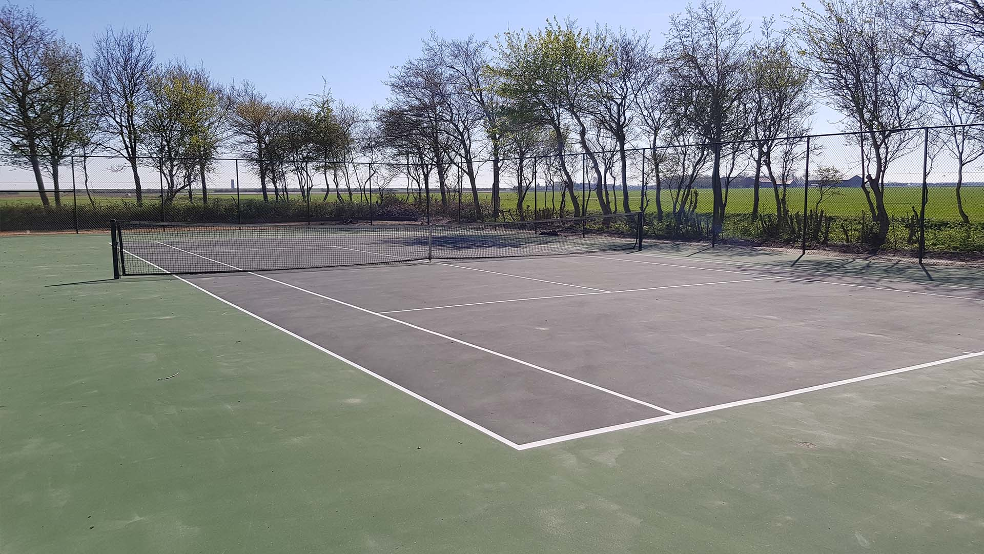 Tennisbaan B&B Plompetorenzicht Schouwen-Duiveland