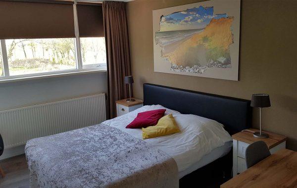 Tweepersoonskamer met uitzicht op de tuin (kamer 3)