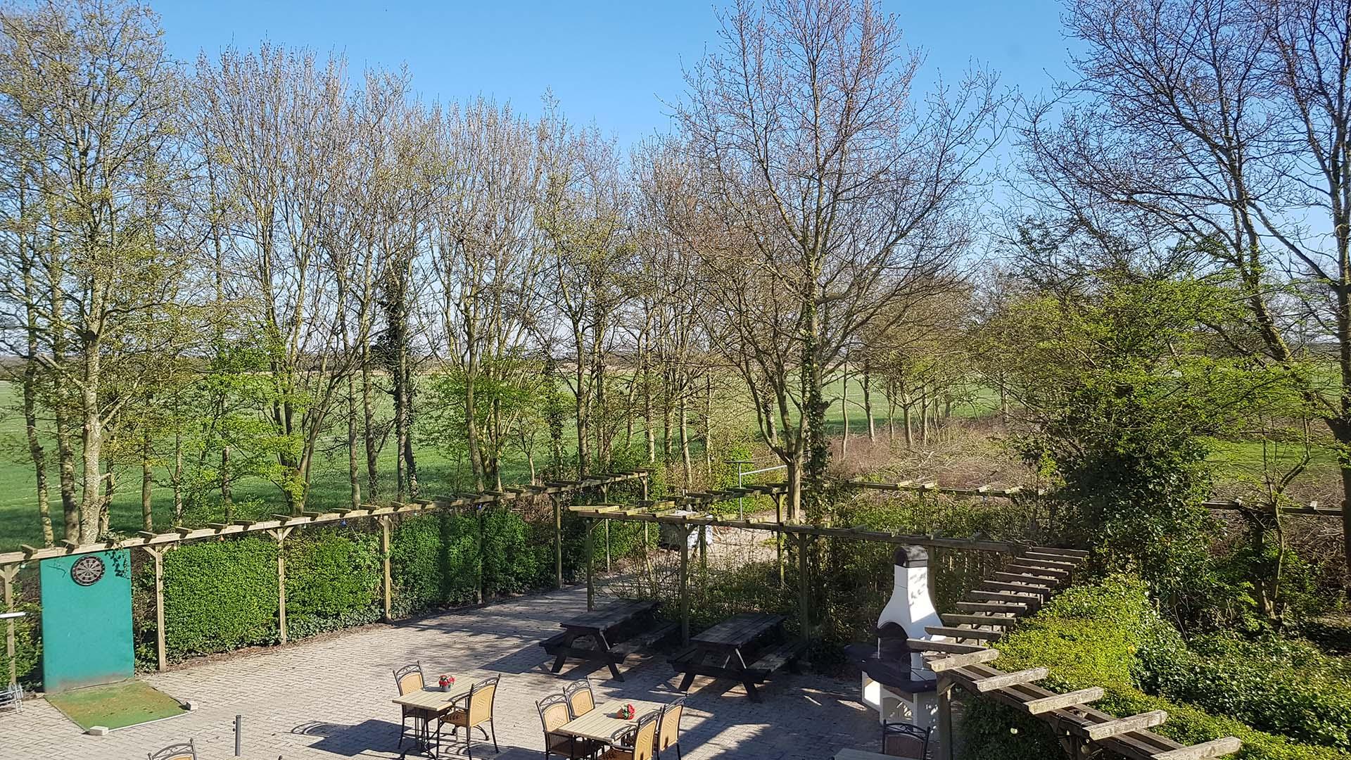 kamer 3 uitzicht terras B&B Plompetorenzicht Burg-Haamstede Zeeland